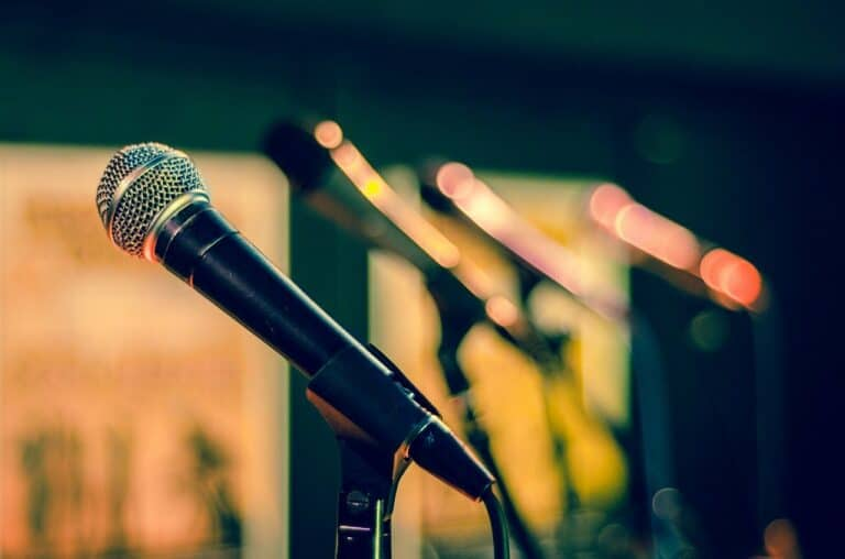 Young JW3 Open Mic Night with Moishe House – Freedom Edition